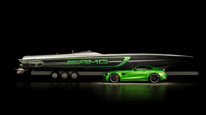 Cigarette présente un hors-bord inspiré par la Mercedes-AMG GT R